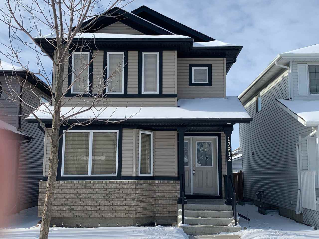 Stunning 1470sf 3 bedroom 2.5 bath 2-Storey.Includes Den/Office on main floor, Good sized kitchen with eating nook, large living room, 2nd floor laundry & clean unspoiled basement. Second floor has master with walk in closet, 2 other bedrooms share a Jack & Jill washroom. NEW RENOVATION INCLUDES-NEWLY PAINTED ENTIRE HOME, VINYL PLANK FLOORING, NEW CARPET, NEW PLUMBING, NEW LIGHT FIXTURES, NEW DOORS & TRIMS, NEW SINKS, NEW TOILETS, NEW STAINLESS STEEL APPLIANCES. Close to public transportation & schools as well as all amenities.