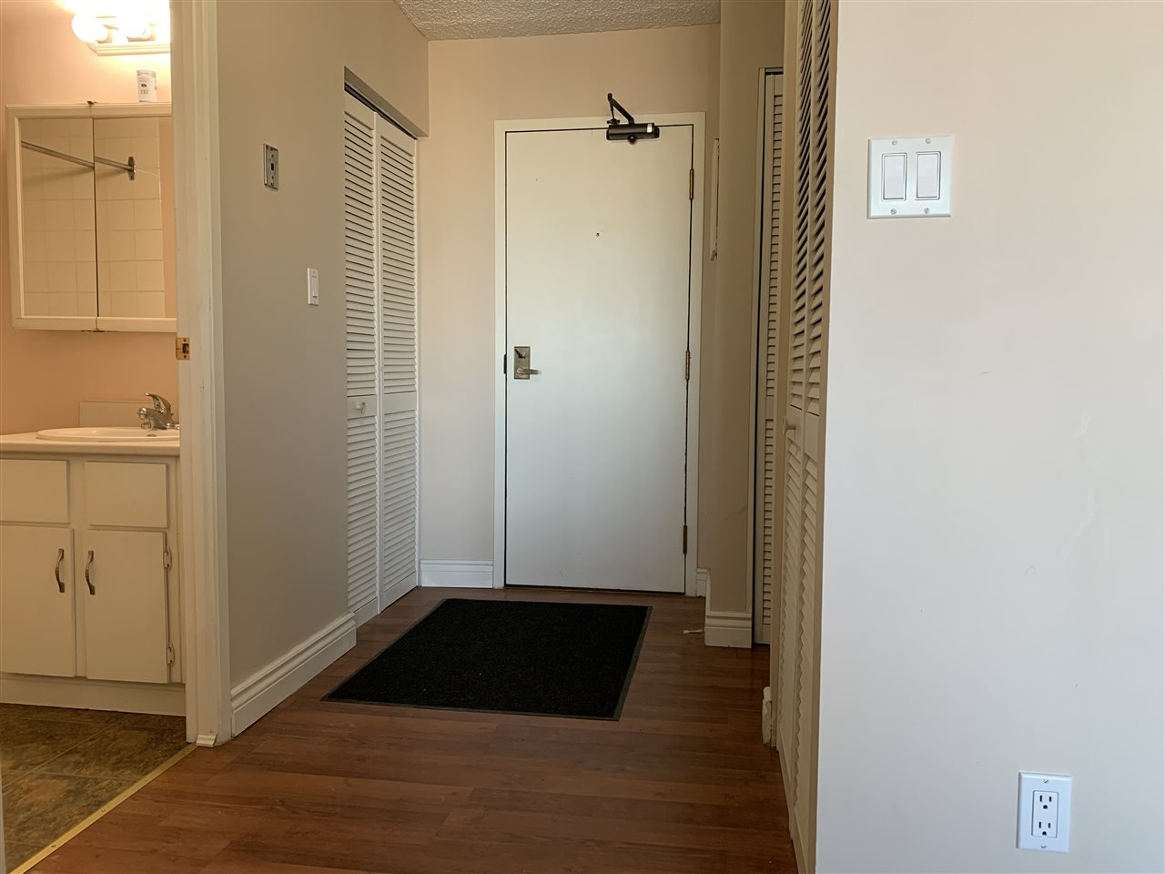 Investment alert! This 500 sq.ft One bedroom + one bathroom unit includes heat and water. Stove, Fridge, and Dishwasher. This unit has a private, fenced patio off of back of unit. $60/month for outdoor stall and $100/month for underground parking.