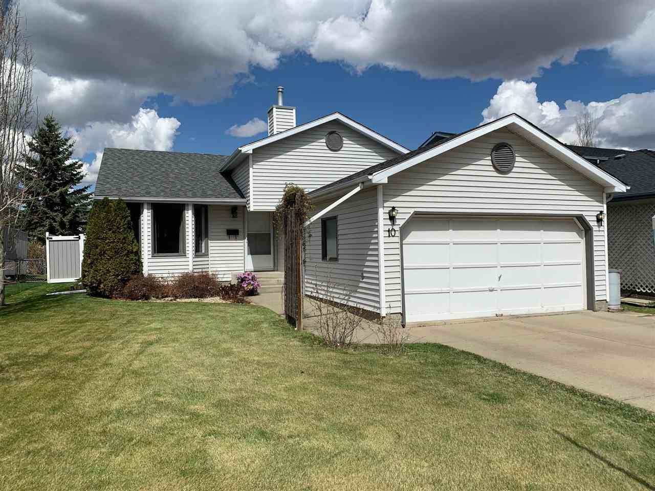 This beauty is located on a quiet crescent in DESIREABLE STONESHIRE just steps to the LINKS GOLF COURSE!!!  This 4-level split is warm and inviting featuring VAULTED CEILINGS as you enter the home.  The main level offers a cozy living room, dining area and kitchen with STAINLESS STEEL APPLIANCES and patio doors to the backyard.  The upper level consists of 3 bedrooms and a 4-piece bathroom.  Step down to the lower level and be greeted by a spacious family room with wood burning fireplace, a 4th bedroom, and another 4-piece bathroom. The basement is fully finished with a large recreation room and den/home office.  Many upgrades over the past few years including HIGH EFFICIENCY FURNACE and AIR CONDITIONING (2019); SHINGLES and HOT WATER TANK (2013).  The yard is fenced and the PLAY STRUCTURE is INCLUDED! Walking distance to schools and playgrounds with ample parking this is the perfect family home!  Just move in and enjoy!