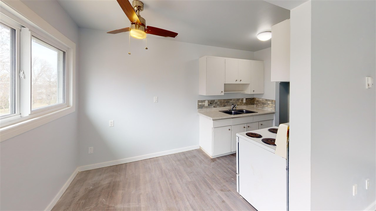 Bright and spacious TOP FLOOR UNIT in the curb appealing Phoenix House!  Conveniently located in Queen Mary Park, you can enjoy all that Downtown has to offer, without the hustle and bustle of the downtown core! Very close to the reputable school of Victoria School of the Arts, located within a 5-15 minute radius to most of Edmonton's major universities and colleges, absolutely perfect for any investor, small family or student! Enjoy the convenience of having TWO bedrooms, a full bathroom with tile surround, a designated dining area and a bright living area!