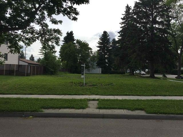 Attention Investors & Developers! Best price for land in the city with a great opportunity for infill or private builders. Near corner lot section measuring 28.5ft (8.69m) x 130ft (39.70m) and zoned RF1. The property is cleared and ready for development. Situated on a beautiful, tree lined quiet street just across from the Sherbrook Spray Park. West exposure backyard. This Park offers a playground, picnic tables/benches and a splash park for those hot summer days! Sherbrook is a beautiful mature, family oriented neighbourhood, close to schools (including the Aurora Academic Charter School), transit and shopping. A perfect location close to everything. A second infill lot with separate title also available for a potential single family house or duplex build-out.