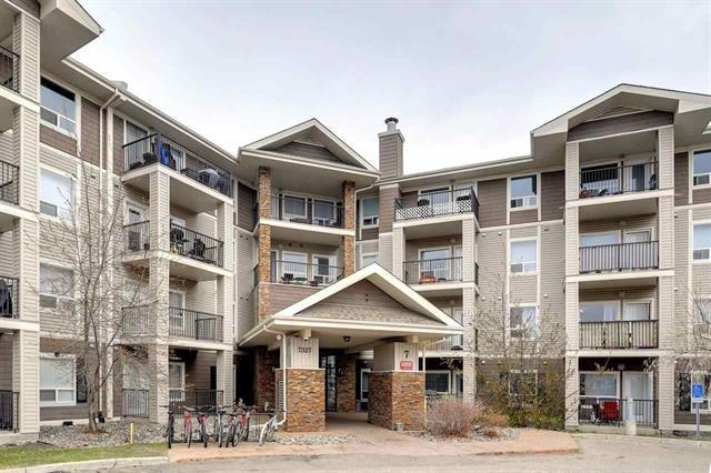 Awesome TOP FLOOR condo available in South Terwillegar! This bright and spacious 860 sqft, 2 bed/2 bath unit offers an open concept and looks over a beautiful park area. Vaulted ceilings, rich cabinetry, stainless steel appliances, covered patio, and more. Great layout w/two large bedrooms, two full baths, large living space, and insuite laundry/storage area. Titled/underground parking, well managed complex, low condo fees. Located within walking distance to all amenities, close to the Anthony Henday and Terwillegar Drive. Perfect for a first time buyer, investor, or downsizing.