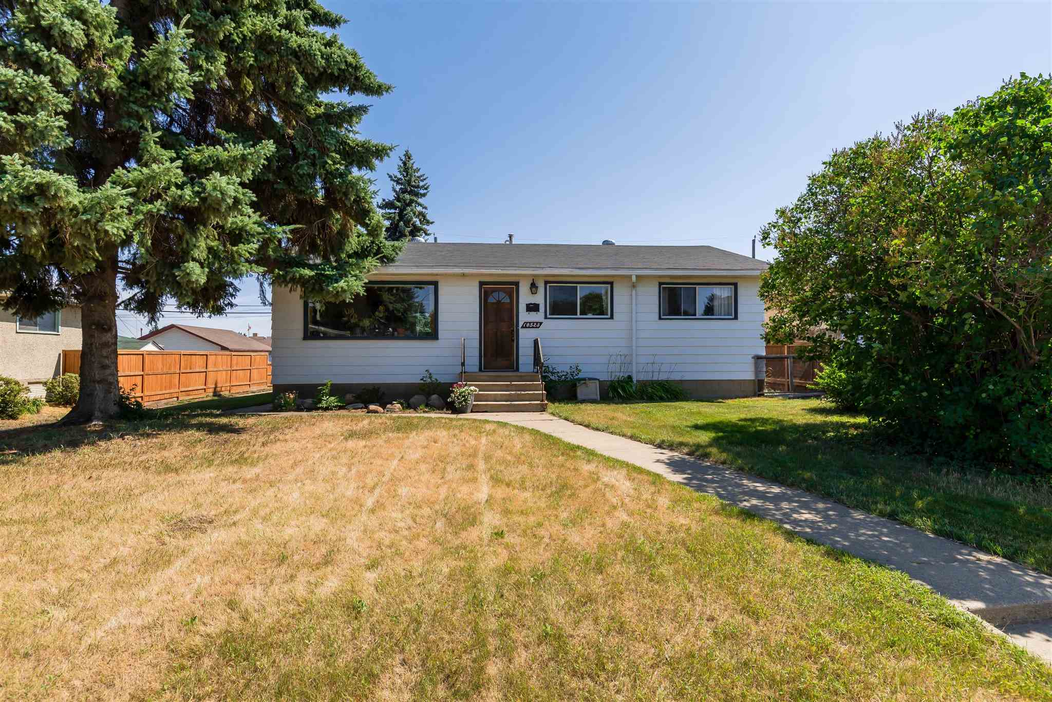 Welcome to this tastefully updated bungalow in the desirable neighbourhood of Gold Bar. With Gold Bar Park just a short walk away you?ll be able to take advantage of all the walking, biking and cross country ski trails available along the river. Getting to work is simple with access to downtown, the Anthony Henday, Wayne Gretzky Drive and Sherwood Park! Inside you?ll find a recently renovated, open concept main floor with solid hardwood, new kitchen and remodelled bathroom. In the backyard you?ll find a large deck perfect for entertaining. Downstairs includes a large rec room plus an additional bedroom and bathroom. This home also has the added bonus of having a fully functional sauna included!