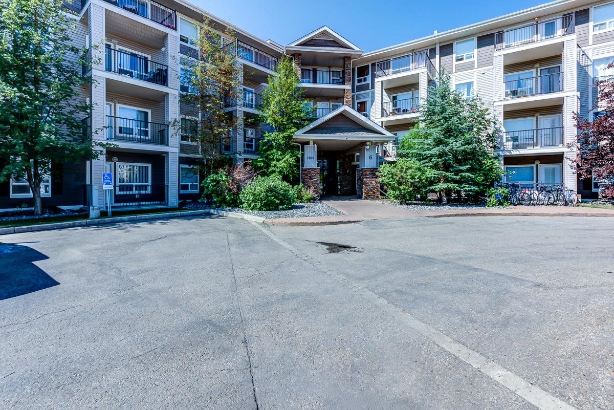 Welcome to the well established community of South Terwillegar and the Park Place South Terwillegar condo community. This apartment style condo with 2 Bedrooms, 2 Bathrooms, in suite laundry, large terrace and 2 titled parking stalls was created with a blend of family living mixed with a executive lifestyle!  Along with all the features the building has, this Community is nestled in between the finest communities this city has to offer. You are located within blocks of the Terwillegar Recreation centre, brand new shopping complex's including the new Fresons Bros flagship store and also have some of the finest Schools, including french immersion and sports academies! Public transportation right out your front door is another added perk! Picture yourself living here and join the amazing community of South Terwillegar.