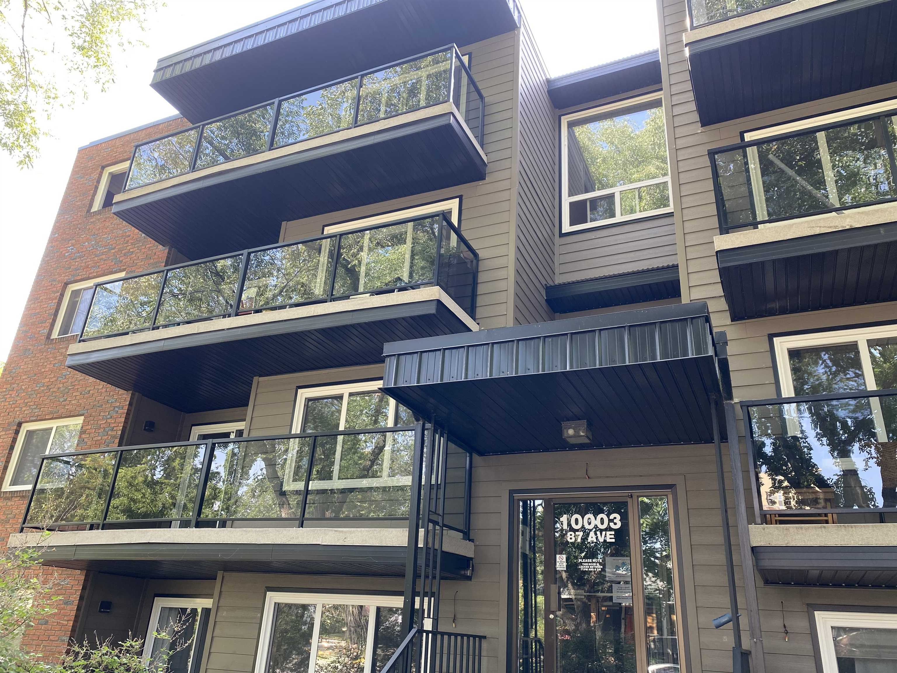 Located in the heart of old Strathcona! 2 bedroom condo in Andrea Manor. Large patio, parking stall assigned, lots of windows for natural light. Walking distance to park, elementary and popular farmers market.