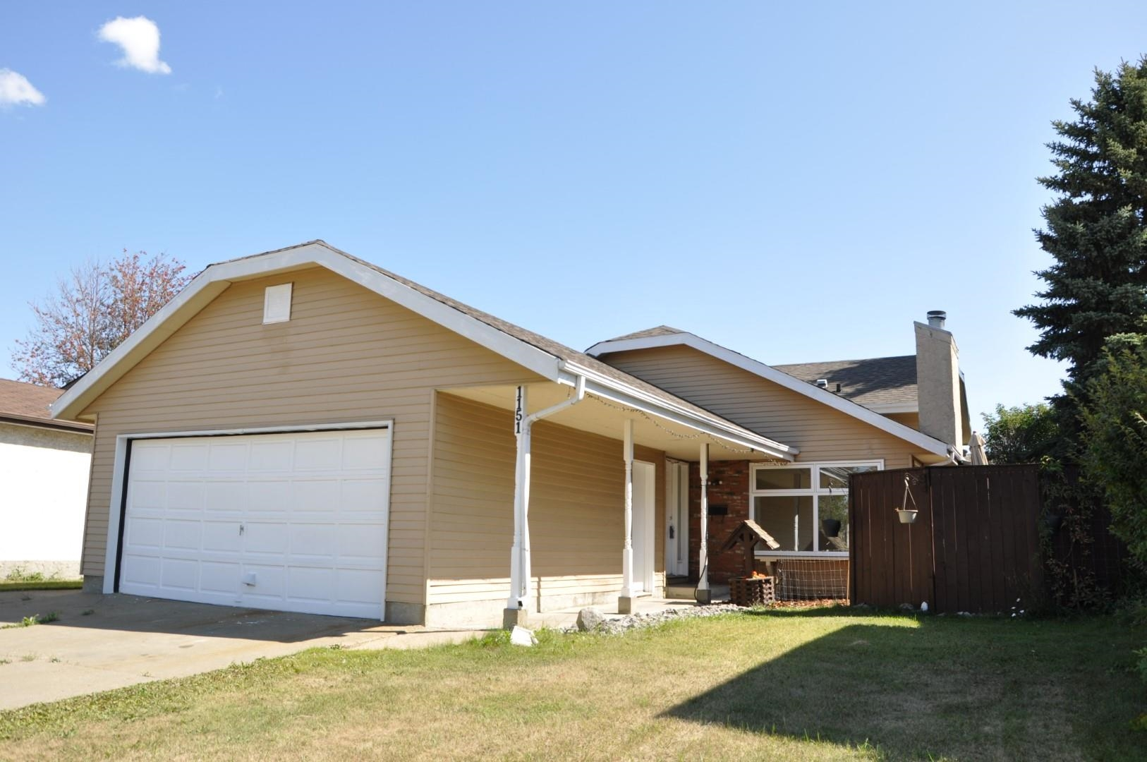 This Crawford Plains 4 level has newer shingles, new windows, new laminate ,carpet and  freshly painted.  Featuring a lovely sized yard and is close to the Henday.  With 3 bedrooms up, another on the 3rd level and 2 full baths and a half bath this home is ready for your family.  A large inviting living room as you enter the home and then through French doors to the dining room and kitchen. A huge family room on the third level adds up to 1882 square feet of living space plus an unspoiled basement awaiting your personal touches. 4 bedrooms, 2 and a half baths and a great yard. Your family will be happy here.  The attached double garage completes the home and it is available for quick possession!