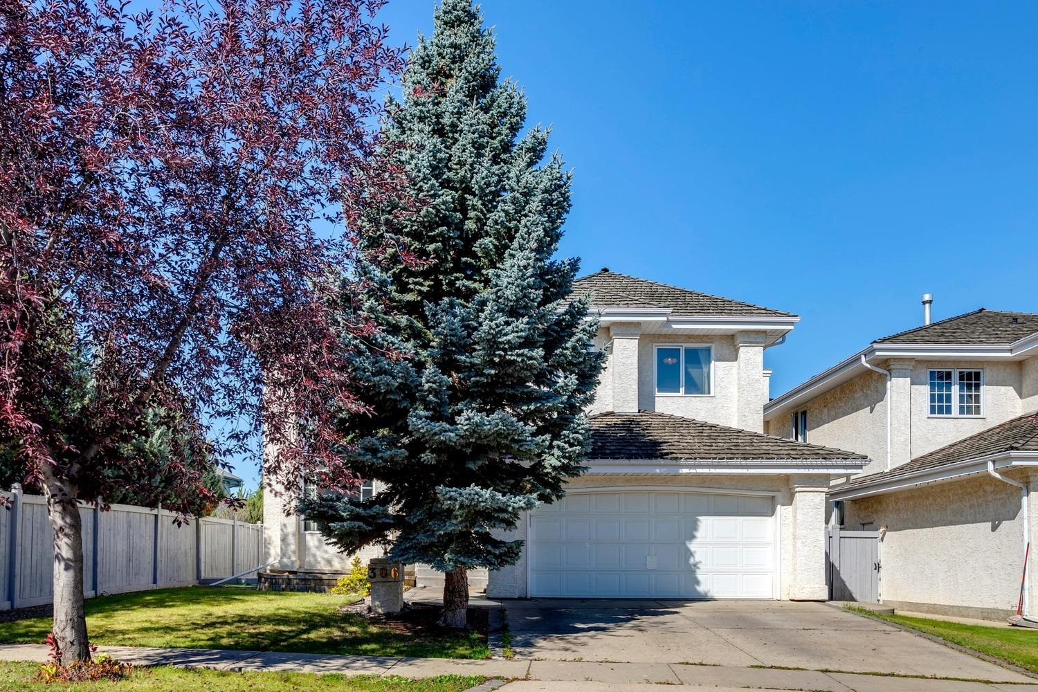 Beautiful family home in the sought after community of Whitemud Hills! Located in a quiet cul-de-sac and sitting upon a picturesque 8600+ sqft lot, this 2350+ sqft 2-storey has been well maintained and offers an attractive traditional layout. The main floor features a grand entrance, bright and open floorplan, vaulted ceilings in the living area that allows for an abundance of natural light. Spacious kitchen w/granite counters and s.s. appliances, formal dining area/flex space, family room w/gas fireplace, breakfast nook, and home office. Upstairs you will find 4 large bedrooms, including the master suite w/4-pc ensuite and walk-in closet, additional 4-pc bath, and laundry room. The FULLY FINISHED lower level offers a large rec area, den, 4-pc bath and plenty of storage. Outside you will enjoy the gorgeous yard w/mature landscaping, above ground pool, hot tub, and gazebo. Located minutes to great schools, parks, Terwillegar Rec Centre, and all other amenities. Great home for a family!