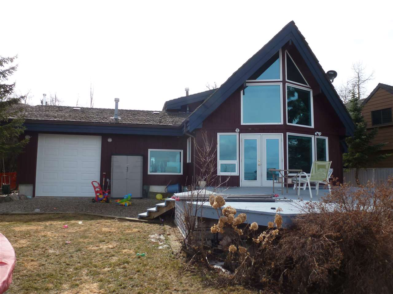 The beach is at you back door! Hastings Lake Shoreline! Yes, you can! Live at the Lake yearround! Hastings Lake is only 25 minutes (East) away from Edmonton & Sherwood Park. This fine Lakefront home is 1270 Sq Ft on two floors and features a Loft Master Bedroom w/Ensuite, plus a 2nd bedroom on the Main floor, which also features a renovated kitchen and Open Floor Plan. This home comes with in-floor heating, air conditioning and a natural Gas Fireplace, tinted glass windows Lakeside. Outside there is a huge multi-tired deck & Firepit Lakeside. There Double Attached Garage is Oversized, Insulated & Heated w/220 wiring, plus floor drain, hot & cold running water and built-in cabinets. Great unobstructed view of Hastings Lake! Great Home! Great Community! Take a Sunday Drive and check it out!