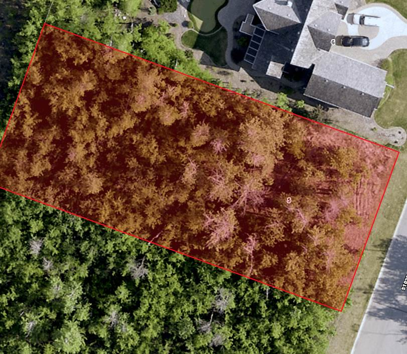Great treed lot backing onto Jack Nicklaus designed golf course in Bear Haven Estates. Gated Community with strict Architectural Controls and city style services including water, sewer, power, gas, elegant street lighting, curbed streets, paved roads and generous spacing between homes. Build your dream home with close access to Edmonton and Sherwood Park. GST may be applicable.