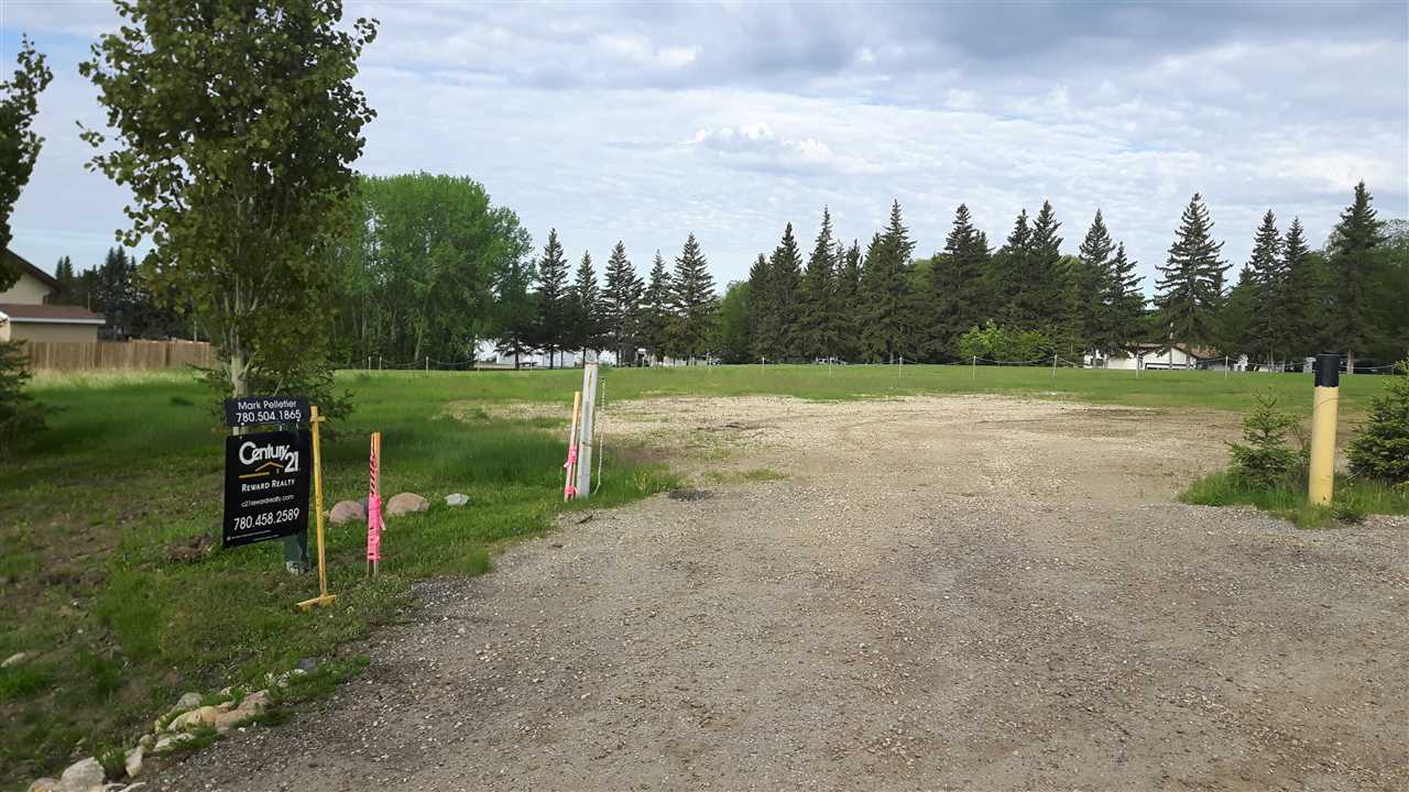 Large lot in Yellowstone, Awesome view and backs onto green reserve land, close to lake and boat launch. Power and gas services at property (just need connection). Install Holding tank, pump and connect to Community service. What an opportunity!