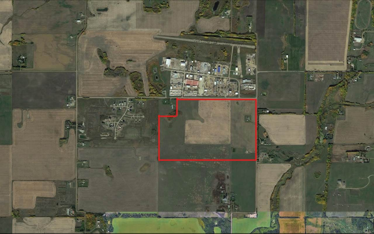 Attention Land Investors! Newly subdivided 61 acre parcel of land right beside the City of St. Alberts North West boundary. This land lies west of the Walmart and South of Pro North Industrial Park. This never before listed land would be a great investment for any land holder. Land is currently zoned AG. Show and sell with confidence.