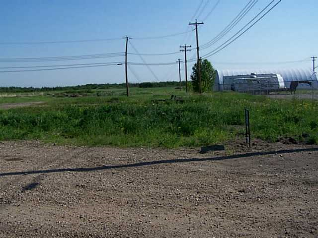 Commercial lot (C1) in the Village of Holden, approximately 55 minutes east of Edmonton on HWY 14. This serviced lot measures 105 ft x 140 ft. The VILLAGE OF HOLDEN OFFERS A DEVELOPMENT INCENTIVE/REBATE. Holden has a K-6 Elementary School and has numerous recreational and cultural opportunities.