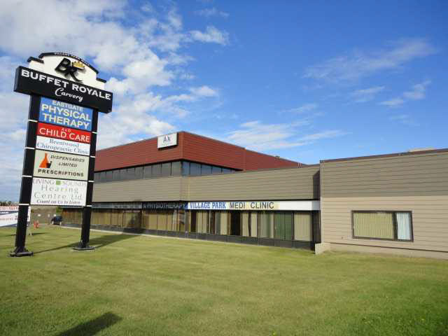 Professional building facing Wye Road in Sh. Park. Excellent location. Only $14 per sq. ft. Ideal for medical, dentistry, accounting or legal profession. Ample Parking.