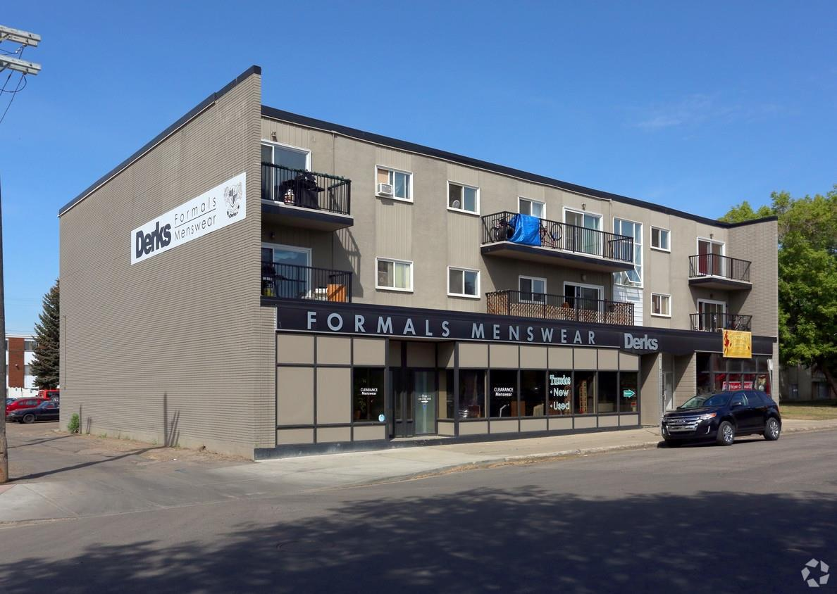 Wonderful west end location next store to  Derks Formal wear  and comic book store close to shopping centers. Unit is set up for retail with multipul change rooms, wall fixtures and window display areas. There is a kitchen in the back as well as two washrooms, office space and large storage area comes with two parking stalls.