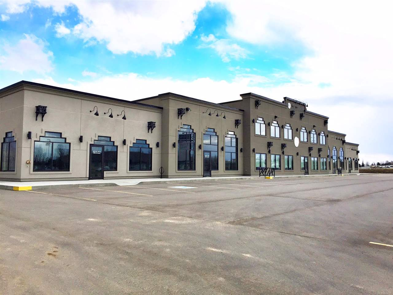 Unit 121 is located in Railway Plaza in Stony Plain, Alberta. Brand New Commercial Building. This 2440 sq ft Main Floor Unit is available for your Retail or Office Business needs. Opportunities for Medical, Retail, Restaurant or other Specialty options would be well situated on this High Traffic location. Building offers Rear Unit Access as well as OverHead & Man Doors. Great Opportunity to get into this Brand New - Modern - Well Designed Building. Zoned C-2, Commercial General.