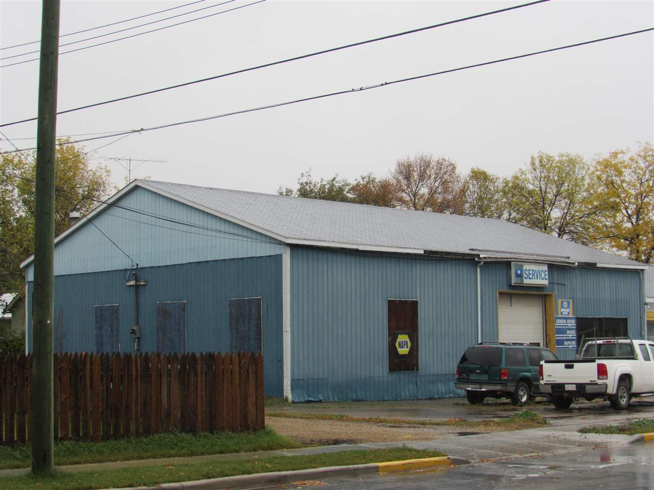 The perfect opportunity to own and operate a full service mechanical shop. The shop is currently operating as an automotive repair shop and all equipment for this is included in the purchase price. It boasts a 5000 sq. ft. shop and show room with a good sized parking lot in front in a great location close to downtown. The current business has operated in this location for more than 30 years. Just walk in and start working.