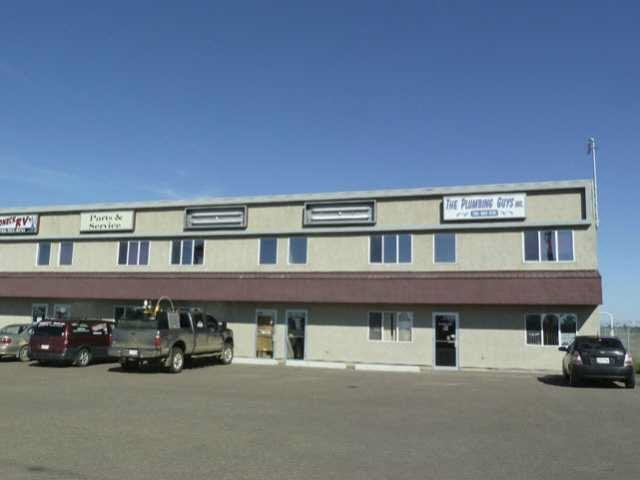 Two Industrial bays available from 1273 sq. ft. 4330 sq.ft. in prime location facing the Hwy 16 in Stony Plain. 3 Overhead doors. Huge over 1 acre fully fenced paved yard. Also Office at 278 sq. ft. at $12 per sq. ft. available. Built in 2005. The owner just spent over $50.000 worth of improvements.