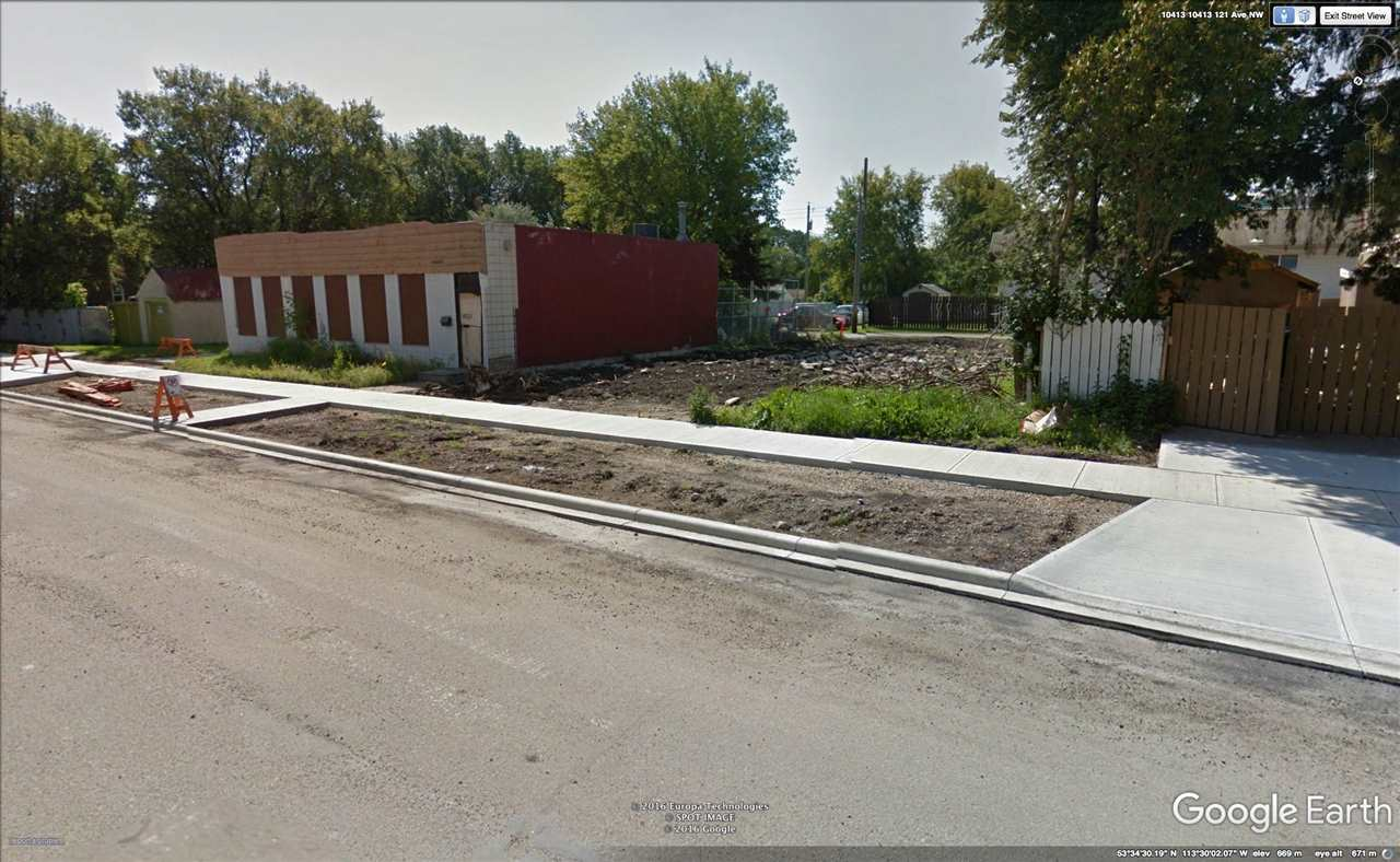45' X 80' VACANT LAND CNC ZONED. 3 BLOCKS TO NAIT , IDEAL LOCATION TO BUILD RESIDENTIAL/ COMMERCIAL MIXED. ALL SERVICES AT THE PROPERTY LINE. CENTRAL LOCATION WITH LOTS OF POTENTIAL