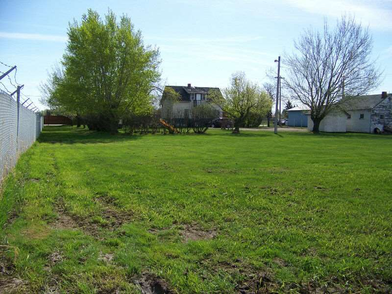 Visit REALTOR® website for additional information. The only commercial lot of this size for sale in Leduc's down town core! 22' x 28' garage, partially treed with the balance in sod. Very easy access from QE2 & the Airport. Seconds from 50th St. & 50th Ave. Leduc's main arteries.