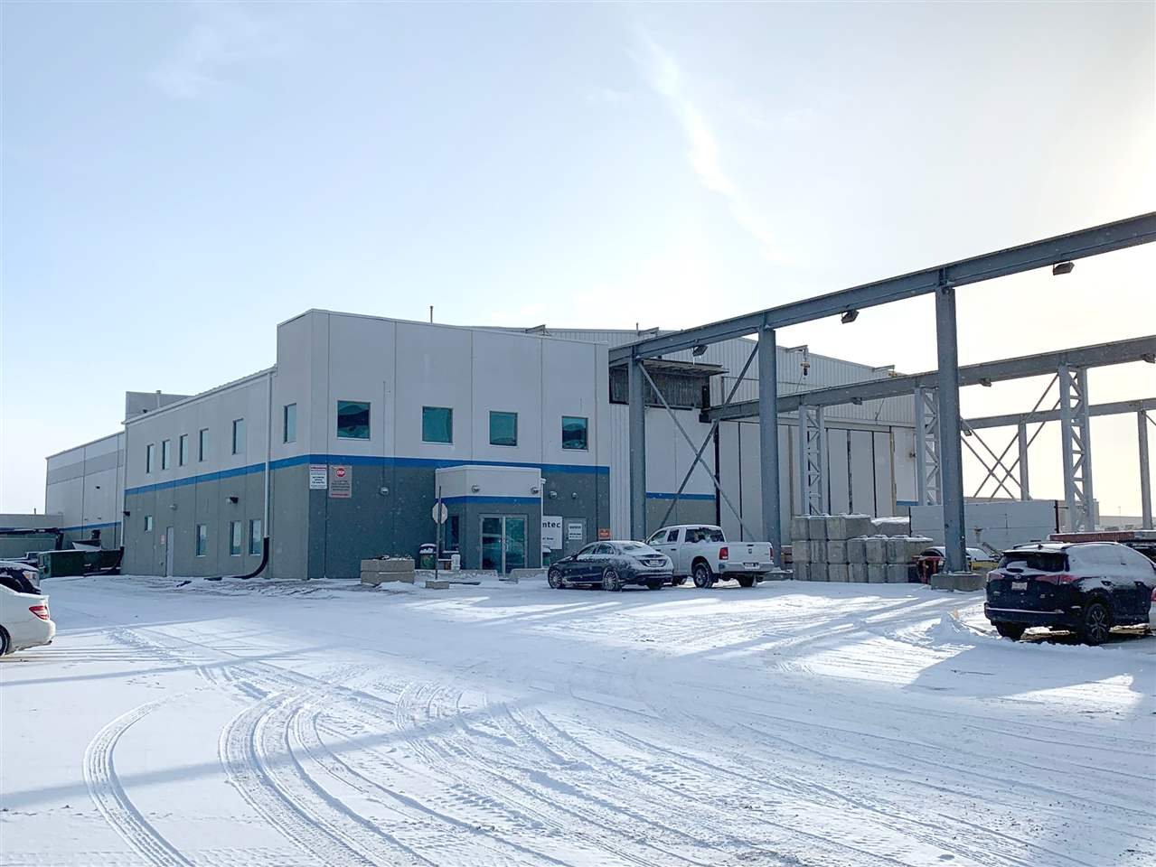 *58,850 sq.ft industrial facility on 19.22 acres in Acheson. *Fully fenced, graveled and compacted yard. *Two 54'x300' wide interior crane ways both extending to the exterior by an additional 260' and 100' respectively. *31' underhook with 37' ceilings. *Precast manufacturing equipment available including a 10' wide hydraulic heated precast panel bed and an active batch plant with 8 hoppers and a traveling bucket system. *Quick access to Highway 16 and 16A, Highway 60 and Anthony Henday Drive. *$12/sq ft and $2500/acre/month on yard.
