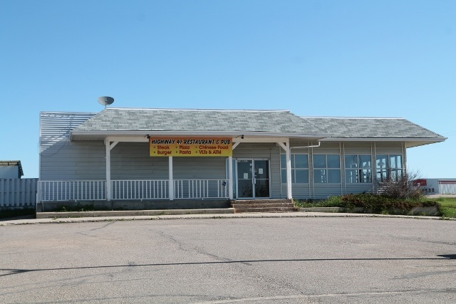 Reataurant and Lounge for lease in Elk Point. This 5504 sq. ft. building which is located in a prime location with highway access includes a restaurant as well as a seperate lounge with outdoor patio and large kitchen. The building has been renovated with new flooring throughout the restaurant and lounge, complete bathroom renovations including new fixtures and fresh paint throughout. The bar in the lounge has also been redone. The low $3,000.00 per month lease gives you all of the equipment you need to open immediately. Property also includes a large paved parking lot. The Landlord will consider startup incentives for a new tennant.