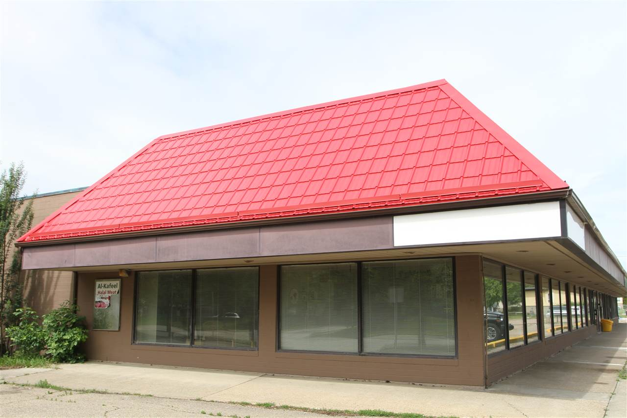 Prime location! End of cap of 3,964 sq. ft.  3 outside walls with lots of windows! In Caernarvon shopping plaza. Current office use ends January 31, 2021.