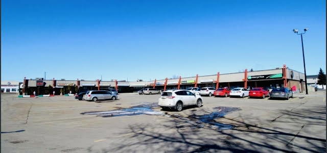 Welcome to Kennedale Shopping Centre! High Exposure, North East Development. EXCELLENT Prime Retail Opportunity. Exclusively Positioned directly onto 50th Street & Hermitage Road (Clareview). With Quick Connections to 137 Avenue, Manning Freeway, Yellowhead Trail & Anthony Henday. 2 Units Available, 1,292 & 1,006 Square Feet. Base Lease Rate - $24.00psf plus Common Area Charges of $13.62 Kennedale Shopping Centre is surrounded by Major Anchors that include; WalMart, Home Depot, Costco, Best Buy & Super Store. Approximately 40,000 Vehicles Per Day. $90,000 Average Household Income. Come Join Franco's Pizza, Dentist, DayCare, African Restaurant, Pharmacy, Cannabis, Salon, Enterprise Car Rental, Tattoo. Ample parking. Pylon Signage Opportunities. COME JOIN US!