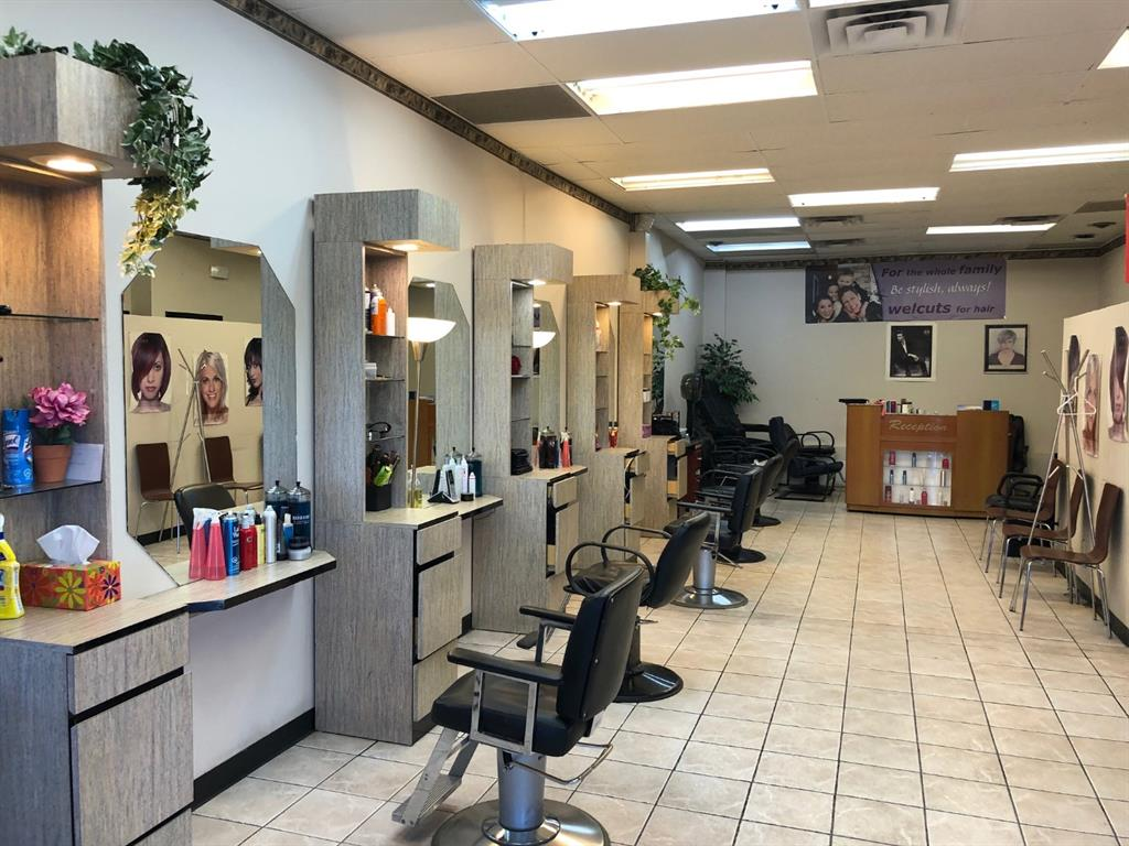 Long established successful hair design salon located just off of Old Banff Coach road SW is now on sale. This hair salon offering high quality at a reasonable price. Well established aesthetic salon with steady clientele and the salon has been in the same location for over 30 years. Excellent location with a great property management including plenty of free parking. This is an excellent opportunity with a great value. All equipment and store improvements are included. This is your chance to own your own business at a very reasonable price. Hair stylists are willing to stay and work with new owner.