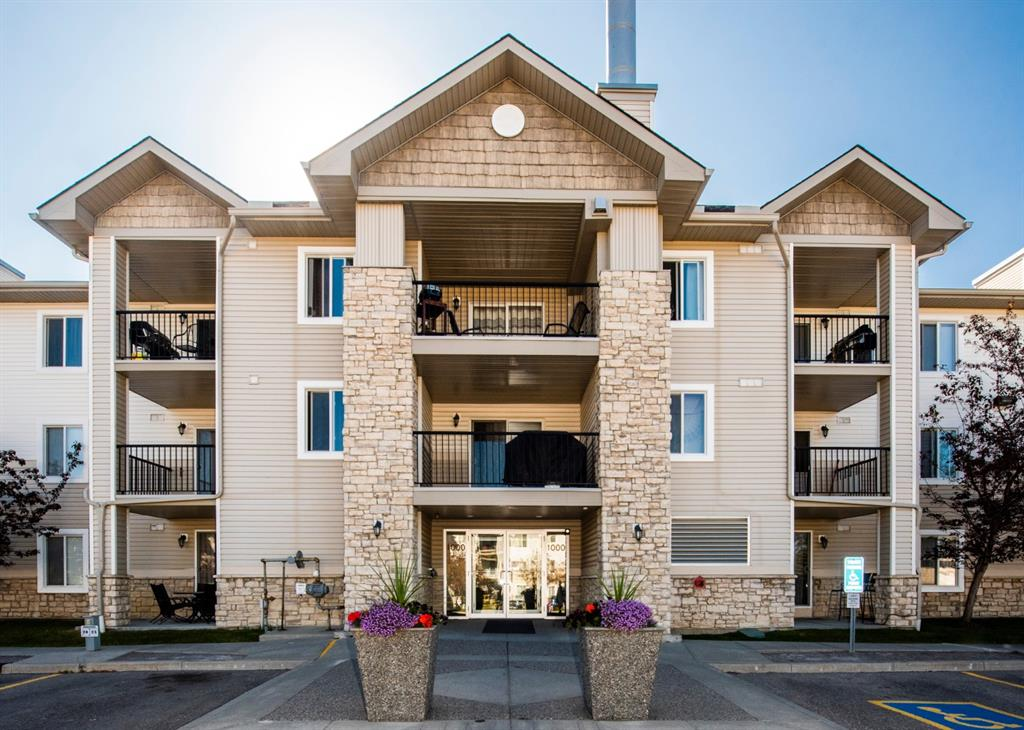 Located on the NW corner of the top floor of the complex, this unit boasts both mountain views to the west and a great skyline of downtown to the north. The property has 2 bedrooms and a 4 piece bathroom, an open living room with tons of natural light and a renovated kitchen with all stainless steel appliances and upgraded cabinets. Located within walking distance to everything you need - parks, playgrounds, schools, shopping, transit and it is a brief drive to the new ring road, giving you access to downtown within 20 minutes. This condo is a perfect opportunity for first time buyers or add it to your rental portfolio. Call your favorite realtor and book a private showing today!