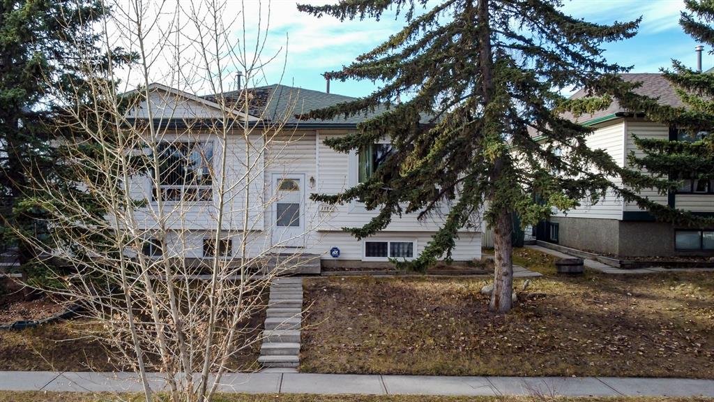 Welcome to this potential-filled home in Cedarbrae!! This home is perfect if you're looking to break into the YYC real estate market, or if you're a savvy investor! It offers over 800 square feet on the main floor and an additional 400 square feet in the finished basement + it has SUITE potential ( subject to approval and permitting by the city/municipality)  as it has its own side entrance! Your main floor offers a functional floorplan with a spacious living area, dining area, and kitchen. 2 Bedrooms and a 4pc bathroom complete the main floor! The basement offers additional room with a massive rec space, den, and plenty of room for storage in the utility/laundry area!  This home has had some updates, including:  furnace (2011), new roof (2014), new windows throughout (2015), and in 2019 sections of the fence were replaced! Come and see! Opportunity waits!!