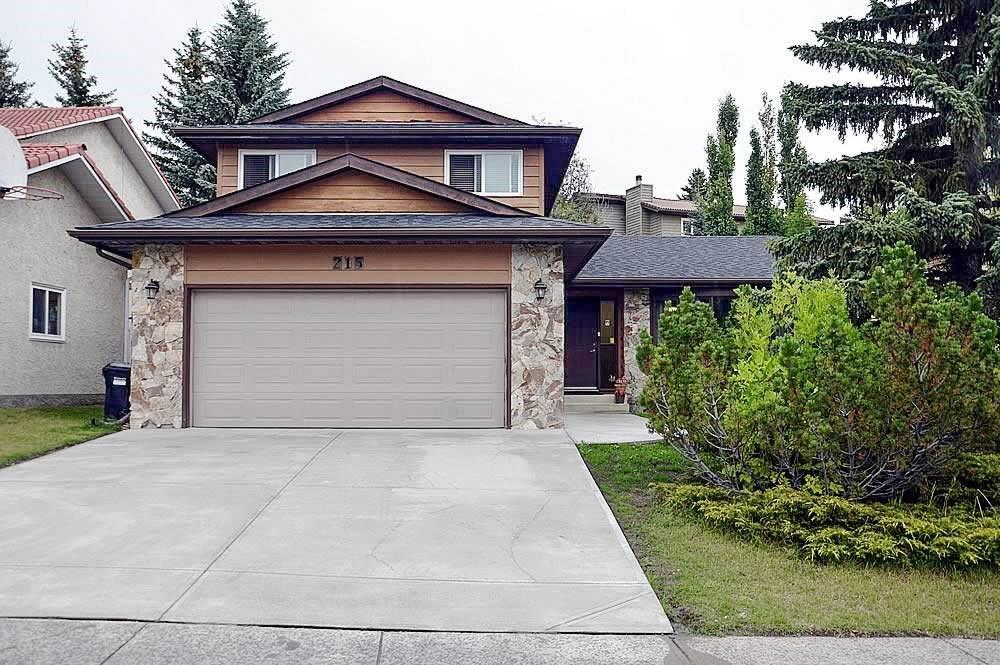 Beautiful, Fully Renovated 2 storey split home with over 3000 sqft of living space. Outside features include new windows with metal cladding, new balcony, asphalt shingle roof and freshly poured concrete driveway and sidewalks! Inside renovations include a completely redesigned kitchen with island and stainless steel bosh appliances, all bathrooms from top to bottom, paint, trim and flooring throughout the home! Basement has been professionally finished with a large recreation room, media room and a huge spa like bathroom with sauna! The New HE furnace (Carrier) & water tank which make for one less thing to think about! Edgemont is a desirable community which is known for the abundant green spaces, walking paths and parks. Close to transportation, short distance to great schools, and shopping centers. Looking for a house that is move in ready? this house might be for you!