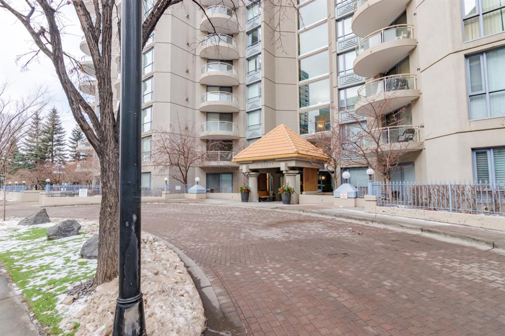 Amazing opportunity to own a 1 bed and den with 2 bathroom condo in one of the best locations in Eau Claire. Liberte is perfectly located steps to the river, extensive path system, restaurants and downtown. The building has a large exercise room and party/meeting room. Entering the unit you will instantly be impressed by the openness of the floor plan and the soaring ceilings. The kitchen, dining and living room and open air den  flow perfectly for entertaining. Your living room space is complete with gas fireplace and patio that over looks grass area. Your master suite has a great ensuite and in unit laundry. This home also comes with an underground titled parking stall and a storage locker. If you are in the market for a great investment property or a place to call home this is a property you will want to see.  Plus it is available for immediate possession!
