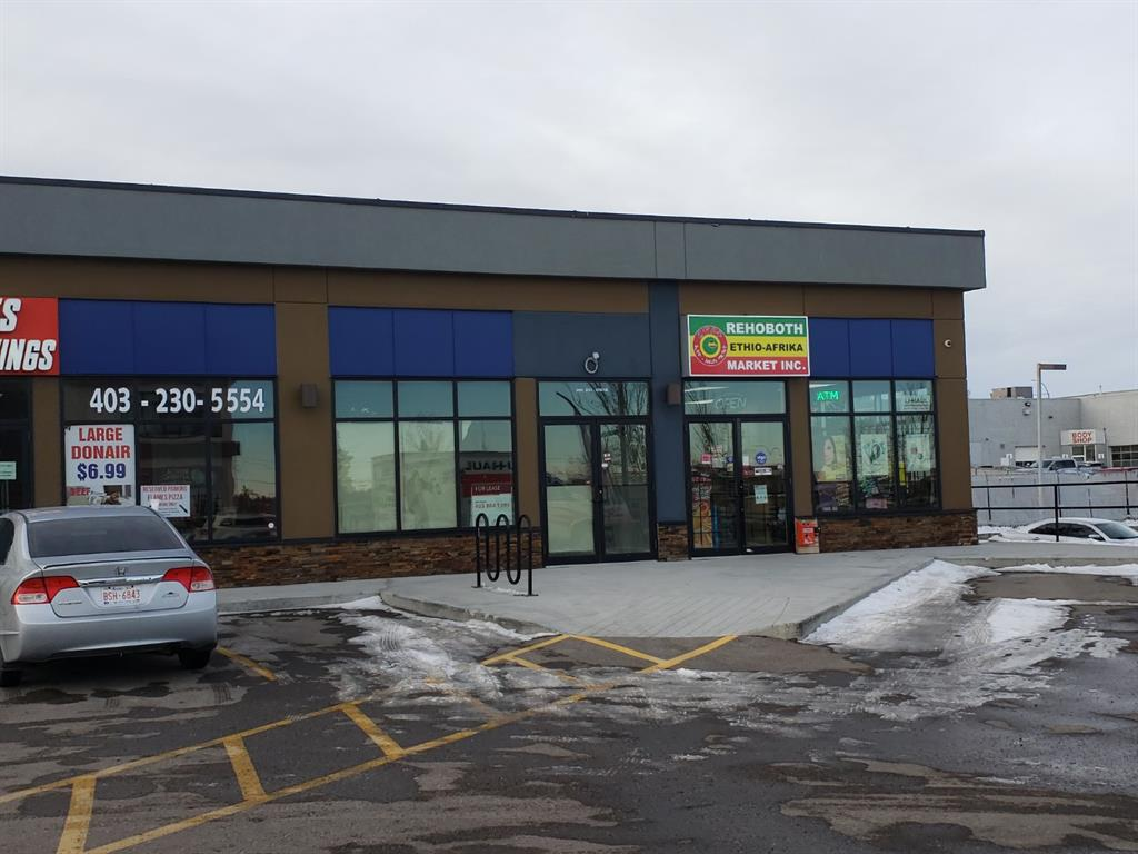 Base Retail Bay with Barrier Free Washroom in Sunridge.   Just off of 32nd and 27th Street.   Ideal for medical,  pet care, retail store, financial or fitness services.   Zoning allows Place of Worship - small and Associations - small are allowed as Discretionary Use.