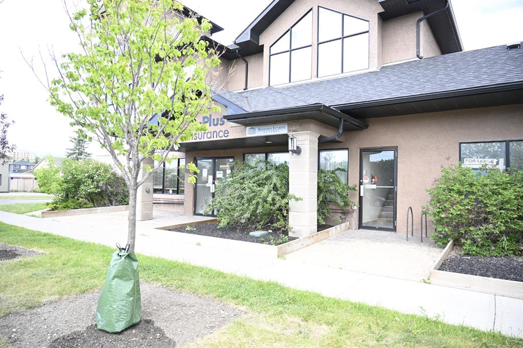Vacant main floor office space includes a lobby with a waiting area and access to a shared kitchen. $600.00 per month + GST, 1 parking stall - plenty of available parking around the building.