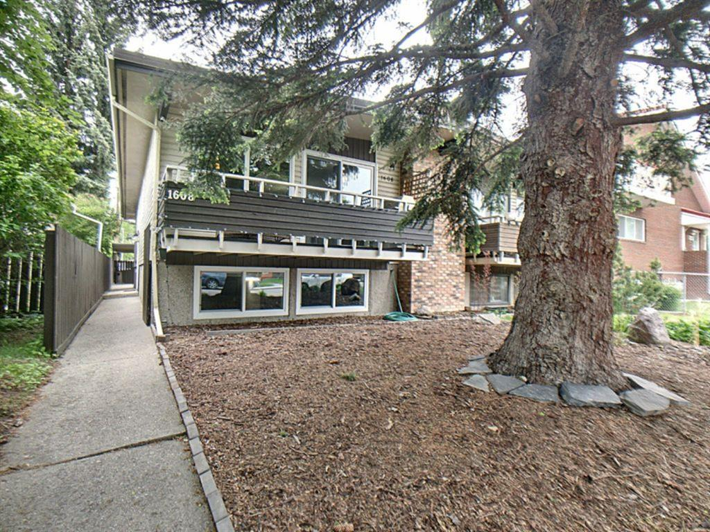 Extensively renovated bi-level duplex in desirable Capital Hill. Updates include newer windows (2020) ceramic tile and laminate flooring throughout, updated light fixtures, granite countertops throughout, stainless steel appliances, updated sinks, paint & baseboards. Huge primary bedroom with massive walk in closet and renovated 2pc ensuite. Another additional bedroom on the main floor w/ his and hers closets. Kitchen offers a functional layout with tons of counter space, breakfast bar & tile backsplash. Adjacent to the kitchen is the dining room which leads to the living room where you can access the balcony that extends the width of the front of the home. Basement offers a family room with wet bar, 3rd bedroom with his and hers closets, office, large storage room/ den, renovated 3pc bathroom which has a sauna. Situated on a quiet street walking distance to all amenities!