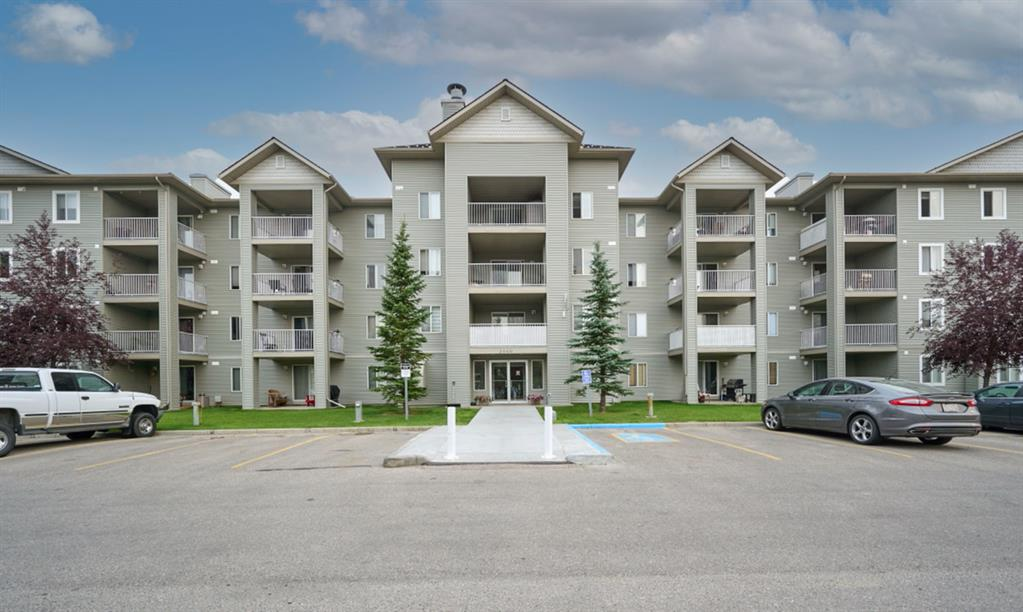 Amazing VALUE for this BEAUTIFUL 2 bedroom, 2 bathroom CORNER unit. One of the largest units in the complex!This condo is BRIGHT and CHEERY with plenty of natural light. The white kitchen has plenty of cabinets and counterspace with adjacent dinning area. The spacious living room has doors that lead to your BALCONY. The master comes with a full ENSUITE and a walk-in closet The second bedroom is on the opposite side. There is INSUITE LAUNDRY. This unit comes with a titled UNDERGROUND PARKING STALL. Excellent location! Walking distance to shopping , restaurants and more! Exceptional value!