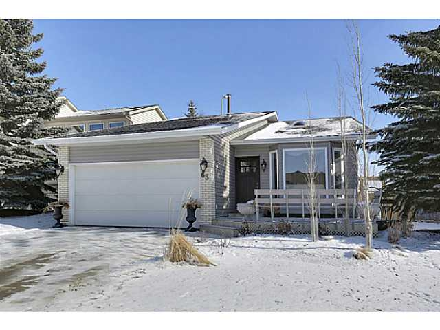 Excellent opportunity for investors or a great home that is move in ready, pride in ownership and fantastic backyard! This 4 level split has a separate entrance and full illegal suite on the lower levels + 2 hot water tanks. Hardwood throughout all main living areas with lino in the kitchen and tile in the bathrooms. The massive yard is great for entertaining and includes a screen covered patio. The home is laid out well and is close to playgrounds and shopping with easy access to major Highways.  A must see!