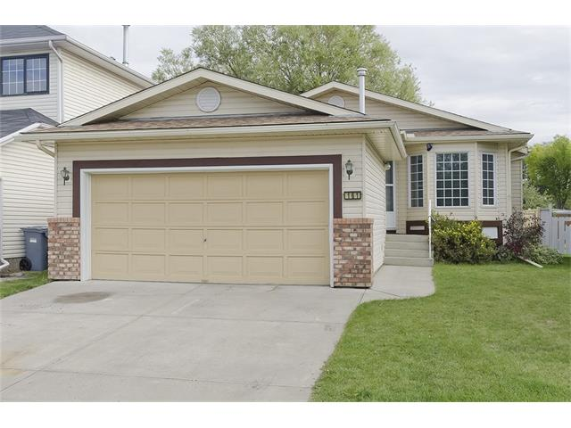 RARE Bungalow in Riverbend!  This 1270 sq.ft home is freshly painted (inside and out) and features a spacious entry way, mudroom with main floor laundry, a large front living room with fireplace and a bright oak kitchen with a huge eating area.  The master bedroom is a great size and includes a 4 piece ensuite and closet.  The 2nd bedroom is a great size as well and there is an additional 4 piece main bathroom.  The undeveloped basement has a separate side entrance and roughed in plumbing for a bathroom.  The backyard is fenced, includes a large deck and shed.   Located just steps to Carburn Park (the River & Pathways) and only a short walk to Quarry Park this home is ?move in ready? and offers tremendous value!