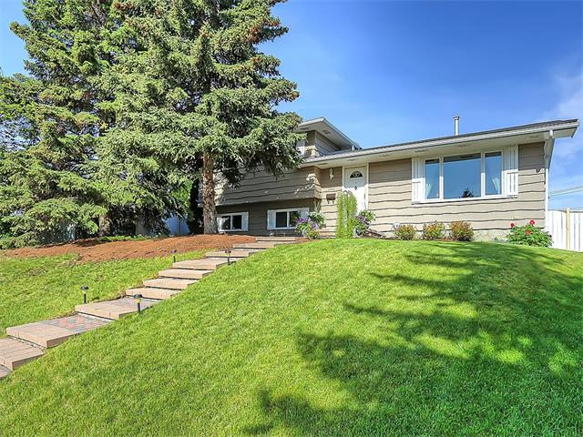"""""""You Don't Want to Miss This"""" Gorgeous Totally Updated 4 Level Split. Located in a Quiet Cul de Sac on a Large West Facing Pie Lot You are Close to Everything, LRT and Bus routes, Major Shopping, Golf, Fish Creek Park, Easy Access to Downtown and most Major Roads. This Beautifully Maintained Home has Many Recent Updates some of which are: Asphalt Shingles, Most Windows, Totally Renovated Kitchen, All Interior Doors, Incredible California Closet Designed Laundry Room, New Rear Entry, 75% of the Lighting is LED, High Efficiency Furnace, 18' Garage Door and New Man Door, New Fencing, Exposed Aggregate Patio and Walkway and the List Goes On, but to Truly do this Home Justice You Need to Come and SEE it for Yourself, so Call Me Today to Arrange Your Own Private Showing You'll Be Happy You Did!"""