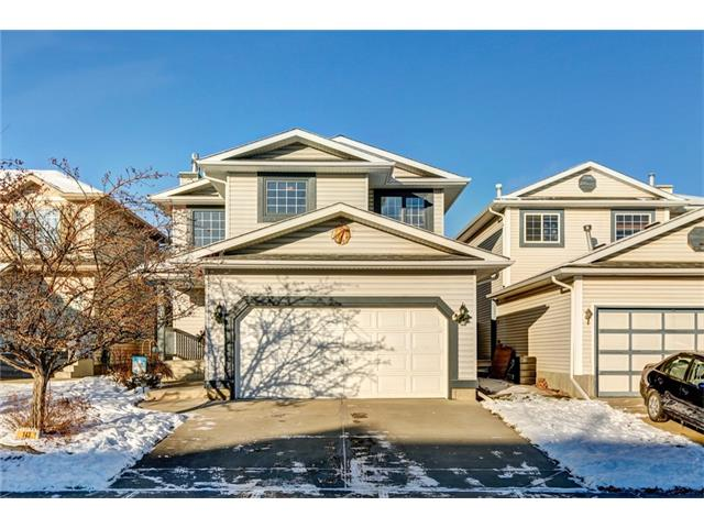 Welcome to River Rock Crescent! This 1680 sq.ft home is in excellent condition & has a bright & open floor plan! The main level boasts a great sized kitchen with large island, corner panty, updated fridge & dishwasher & a spacious eating area. The warm & inviting family room includes new engineered hardwood flooring & a gas fireplace with stone. A 2 piece bath & laundry complete the main floor. Upstairs features a large master bedroom with retreat area, ensuite & walk in closet. The two other bedrooms are oversized & one includes a walk in closet. The basement is fully developed with a rec room, 2 piece bath & storage! The private backyard boasts a 2 tiered deck with pergola, shed, gas bbq line & is well treed & landscaped with perennials. Other updates include a brand new roof & newer hot water tank. This home is just steps away from the kiddie park & is only a 5 minute walk to all the amenities of Quarry Park (the YMCA, daycare, shops & pathways!).  Don?t miss out on this fantastic home!