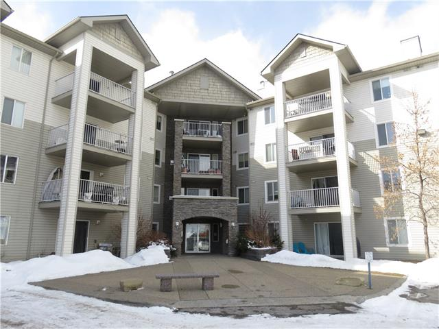 Specious 1 bedroom plus den apartment in Somerset has a very convenient location: just steps to LRT, YMCA, library, restaurants, huge shopping plaza, the walking path along the natural pond, close to schools and all other amenities you need. This cozy unit has a good size entrance foyer, a large bedroom and a huge room - a combination of dining and living rooms. A sliding door from the dining room leads to a very private patio. A generous size kitchen and den/office (no window) (can be used as a craft room or storage), in-suite laundry and full 4-pc bathroom complete the unit. There is also an outdoor parking space (#88). *All utilities (Electricity. Heat, Water/Sewer) are included in CONDO FEES!:) NEWLY PAINTED APARTMENT WITH PROFESSIONALLY CLEANED CARPET IS FRESH AND SPOTLESS! Don't miss this gem!!!