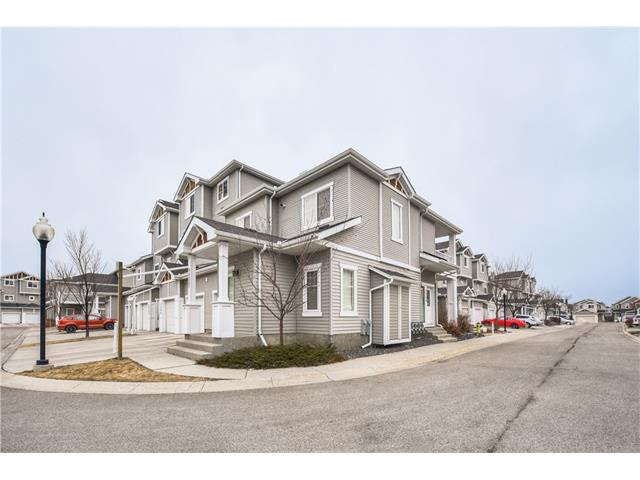 WOW! Location and size will win you over in this 1029 sq ft (RMS) (2281ft2 Registered size w basement & single garage) main floor bungalow condo w LOW CONDO FEES of $236 and FULL BASEMENT (that does not factor into the fees!)!! 2 BRs, 2 Baths, CORNER unit w ATTACHED single garage. Hardwood floors, stainless steel appliances, loads of windows on 3 sides (a benefit of being a CORNER unit!), loads of NATURAL LIGHT...and the clincher is the full basement w 3 BIG windows - you nearly double your liveable space but pay condo fees only on the space above ground! Your large vehicle will fit in your own driveway, and your guests can park in convenient visitor parking right across the alley! Quiet INTERIOR unit that overlooks a green space!
