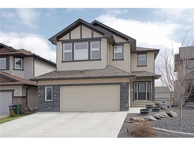 You?ll love this air conditioned 2 storey walkout home in a cul de sac location. Oversized double attached garage & additional gravel parking to the rear. Low maintenance landscaping front & back. Spacious entrance with 9ft ceilings & hardwood flooring that runs through much of the main floor. Beyond the den lies the cozy living room with its gas fireplace & a beautiful kitchen, with granite counters, a breakfast bar, extended height cabinetry & a walk through butler?s pantry. The dining nook accommodates a larger table & has a door out to the main level deck. Upstairs, the bonus room has a vaulted ceiling. The generous master bedroom benefits from a walk in closet & a 5 pc en-suite. The large second & third bedrooms share the 5 pc Jack & Jill bathroom. The convenient upper level laundry completes this level. The unfinished walkout basement offers a natural layout for a large bedroom, a recreation/family room, a bathroom, a laundry area & excellent storage. Great value here...COME VIEW THE 3D TOUR NOW!