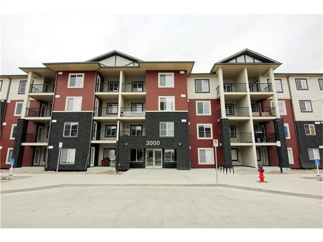 This unit is a Metro floorplan with 2 bedrooms plus as space for a den, modern open concept living space, Master walk-in closet and Master ensuite with a large closet, with 1 titled Heated Underground stall. Other floorplans and units available. Don't miss out on the opportunity to move in South Calgary's most Desirable location. Minutes to all amenities. South Campus Hospital, Shopping, Restaurants, and so much more.