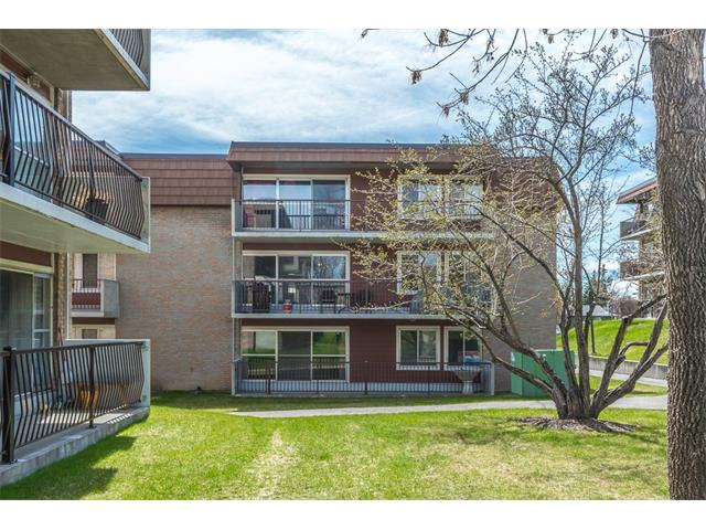 (*OPEN HOUSE - Sat. Oct. 21, 1 - 3*) One of the best values south of the river; this 1,100 sq ft 3-bedroom home in a quiet concrete building is offered at a very affordable price. Save on payments and leave your car at home ? less than 10 min walk to Heritage LRT & Shoppers. Kitchen boasts usable counterspace over oak cabinets and laminate hardwood floors & opens to dedicated dining and living areas. Enormous 17?x13? living rm with patio access has enough room for your sectional to watch the big game, and an at-home work space. Master bedroom features 2-pc ensuite and full height, wall-to-wall closet. 3rd bedroom is great flex space to use as your den, storage, or bicycle repair room. Enjoy the convenience and flexibility of single-level living ? parking, entrance, and laundry all at grade level. Separated from Heritage Dr by a large tranquil greenspace, this 25+ building has recent updates including railings, roof, and siding. Don?t miss out on this great value with huge potential ? Call today!