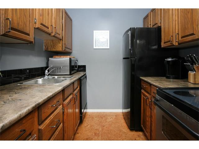 All appliances included, as well as full-size washer and dryer.