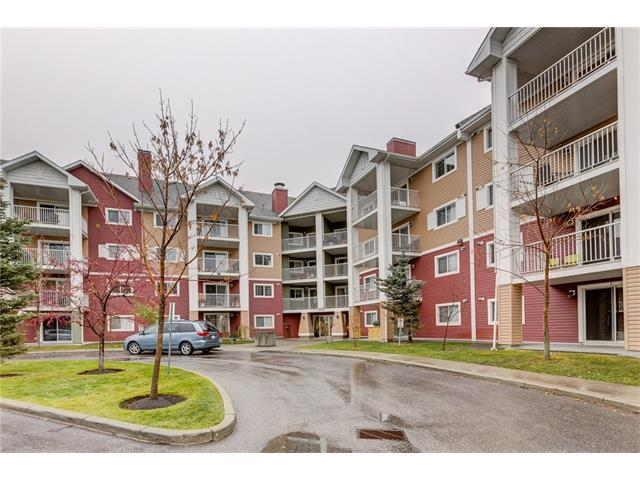 Main floor, two bedroom, two bathroom condo in Mckenzie Towne, close to 130th Ave, tons of shopping, amenities and public transportation. Comes with one titled underground parking spot, plus tons of visitor parking. Open concept kitchen/living room with lots of natural light.