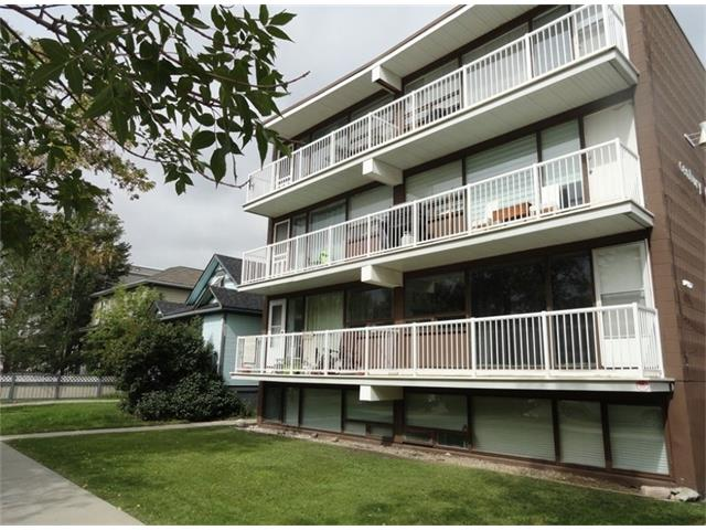 WHY RENT WHEN YOU CAN OWN!  Top floor unit in Sunalta. Features large living room with hardwood flooring, good size kitchen & bedroom, full bath and balcony. Great location with all the conveniences of downtown and just a short distance to LRT station. Don't miss out on this opportunity.