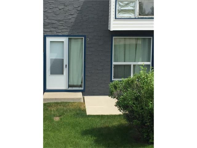 2 STOREY STYLE TOWNHOUSE CONDO, 2 BEDROOM.VERY CONVENIENT LOCATION, CLOSE TO SCHOOL, NEW SUPERSTORE, DEERFOOT MALL,
