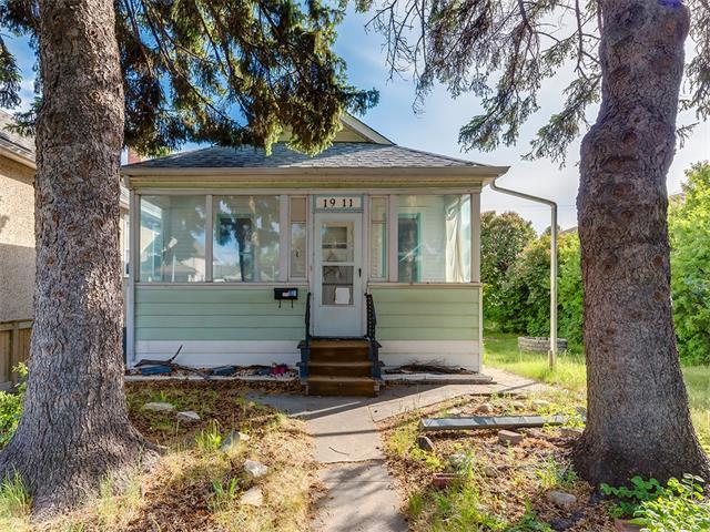 "Attention builders and inner city enthusiasts! Rare opportunity to snap up a 50ft x 130ft lot in Inglewood! First time on the market, this bungalow is nestled on a choice lot that provides unparalleled access to Blackfoot/17 Ave, Deerfoot Trail and 9 ave making it ideal for the downtown commuter. Unaffected by the 2013 flood; this quaint bungalow boasts two bedrooms, a 3 piece bath which features a vintage claw foot tub and functional kitchen on the main floor. Laundry and additional storage areas can be found in the lower level, all appliances are to be sold ""as is, where is"". Build your dream home on a mature tree lined street that will only grow in value. Don't miss out on your chance to own in the desirable inner city community of Inglewood."